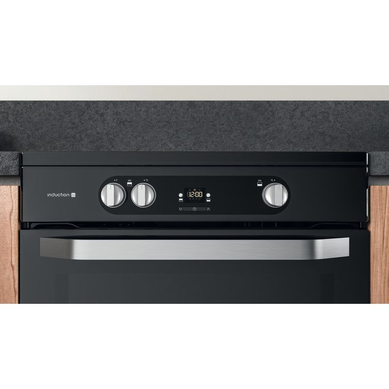 Hotpoint-Double-Cooker-HDM67I9H2CB-U-Black-A-Lifestyle-control-panel