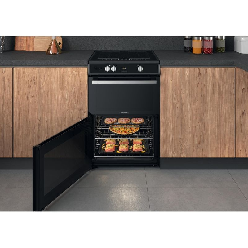 Hotpoint-Double-Cooker-HDT67I9HM2C-UK-Black-A-Lifestyle-frontal-open