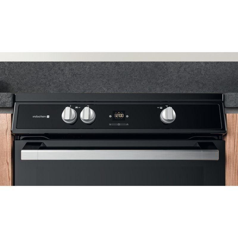 Hotpoint-Double-Cooker-HDT67I9HM2C-UK-Black-A-Lifestyle-control-panel
