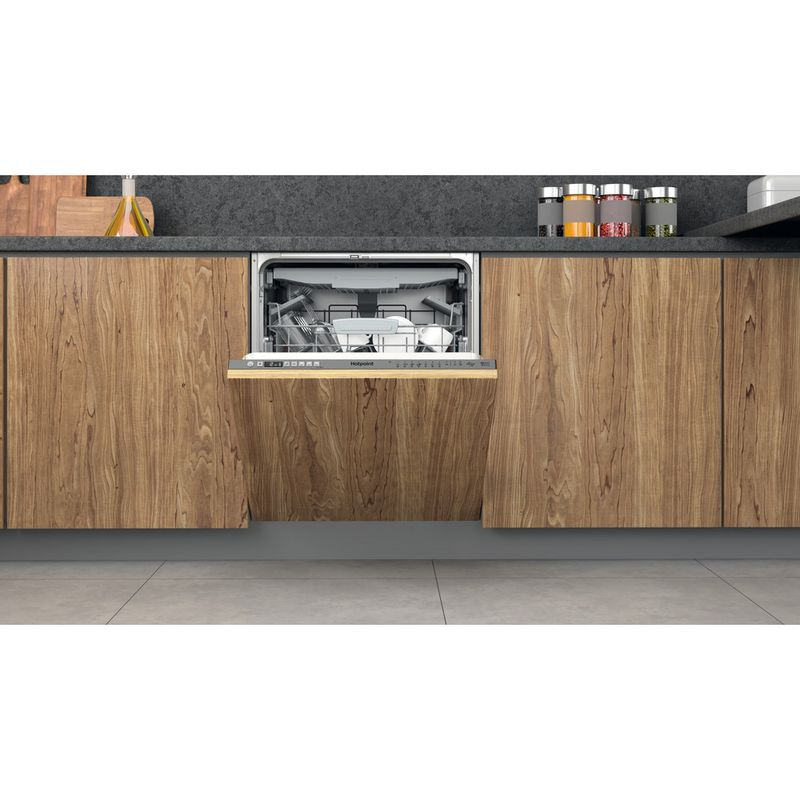 Hotpoint-Dishwasher-Built-in-HIO-3T241-WFEGT-UK-Full-integrated-C-Lifestyle-frontal-open
