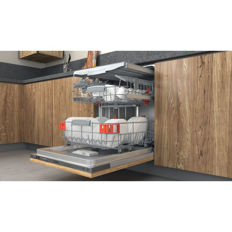 Hotpoint-Dishwasher-Built-in-HIO-3T241-WFEGT-UK-Full-integrated-C-Lifestyle-perspective-open