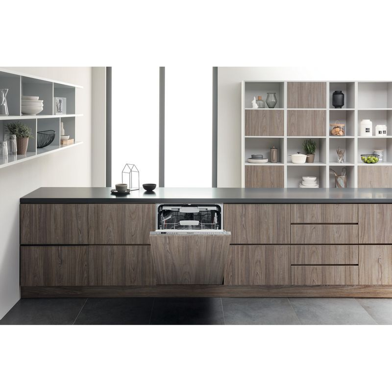 Hotpoint-Dishwasher-Built-in-HIO-3T241-WFEGT-UK-Full-integrated-C-Lifestyle-frontal