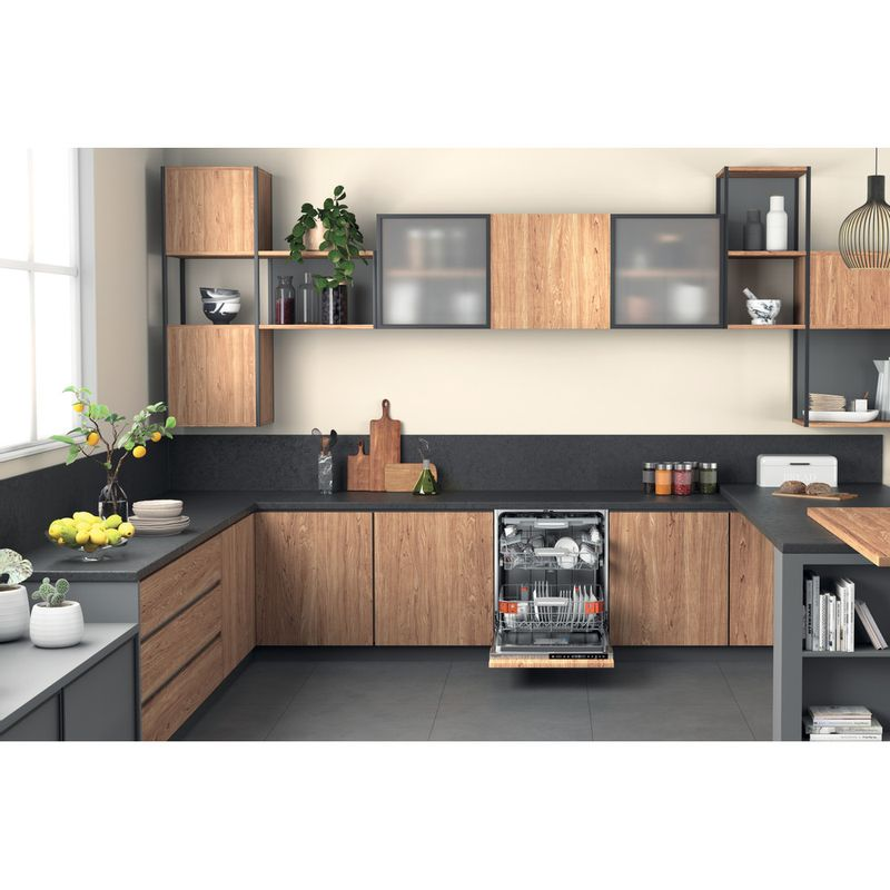 Hotpoint-Dishwasher-Built-in-HIP-4O539-WLEGT-UK-Full-integrated-B-Lifestyle-frontal-open