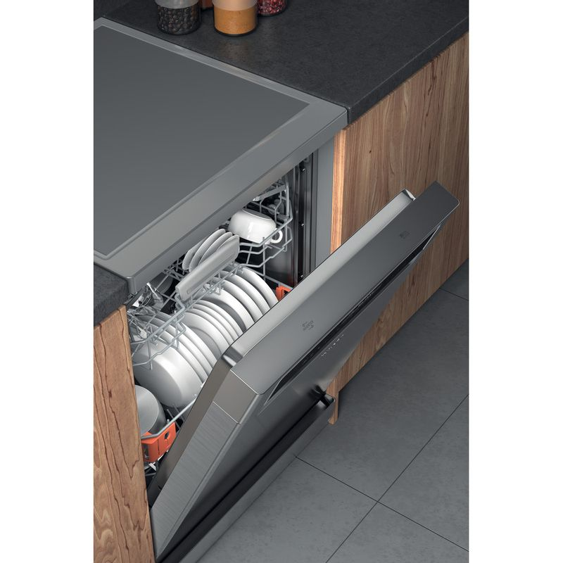 Hotpoint-Dishwasher-Free-standing-HFP-5O41-WLG--X-UK-Free-standing-C-Lifestyle-perspective-open