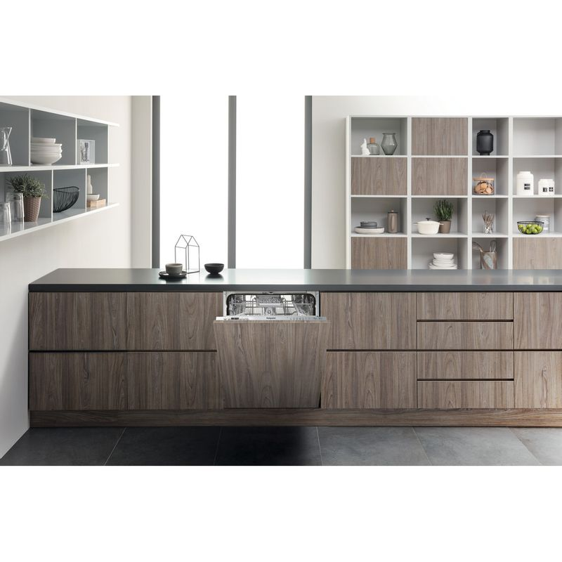Hotpoint-Dishwasher-Built-in-HIC-3C33-CWE-UK-Full-integrated-D-Lifestyle-frontal