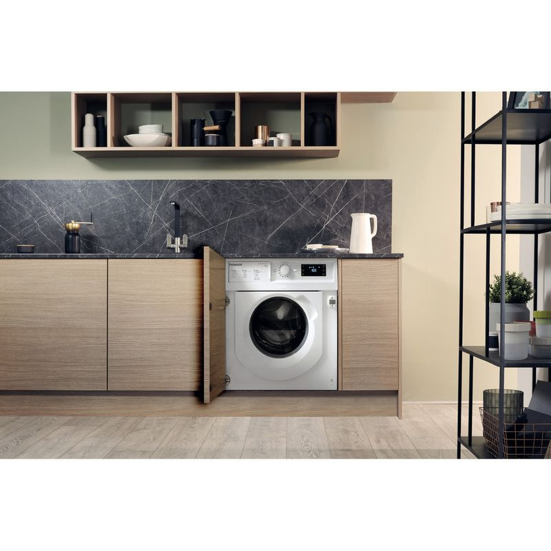 Hotpoint-Washing-machine-Built-in-BI-WMHG-71483-UK-N-White-Front-loader-D-Lifestyle-frontal