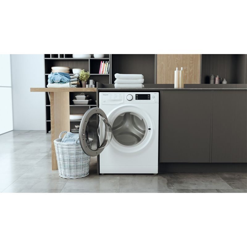 Hotpoint-Washer-dryer-Free-standing-RD-1076-JD-UK-N-White-Front-loader-Lifestyle-frontal-open