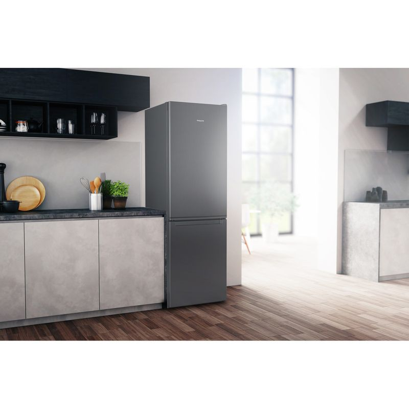 Hotpoint-Fridge-Freezer-Free-standing-H1NT-811E-OX-1-Global-white-2-doors-Lifestyle-perspective