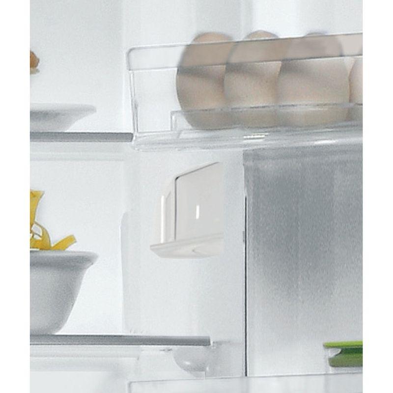 Hotpoint-Fridge-Freezer-Free-standing-H1NT-811E-OX-1-Global-white-2-doors-Lifestyle-detail