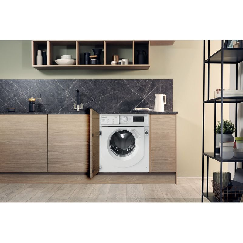 Hotpoint-Washer-dryer-Built-in-BI-WDHG-75148-UK-N-White-Front-loader-Lifestyle-frontal