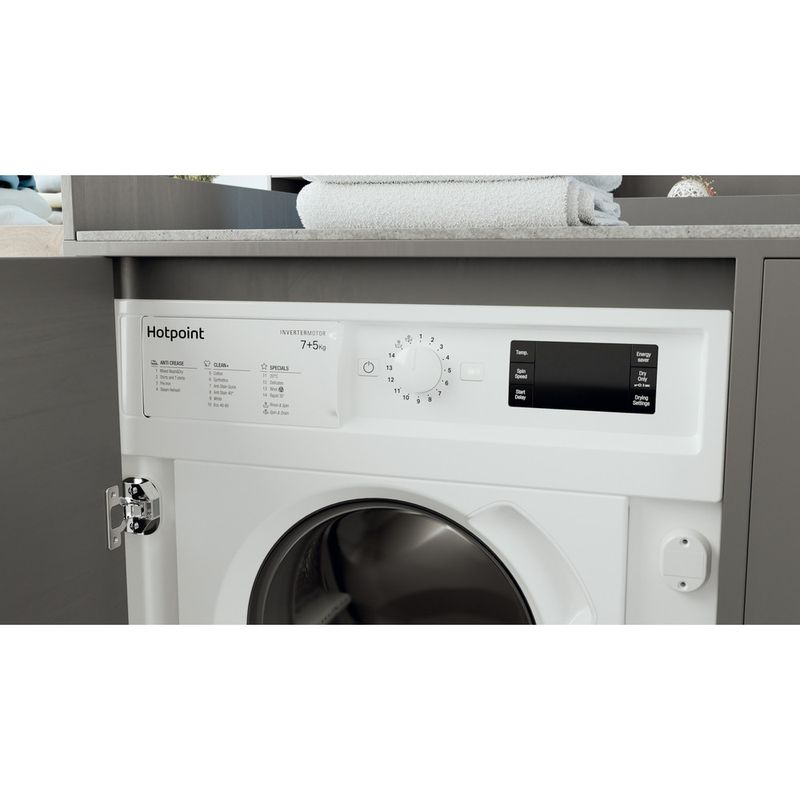 Hotpoint-Washer-dryer-Built-in-BI-WDHG-75148-UK-N-White-Front-loader-Lifestyle-control-panel