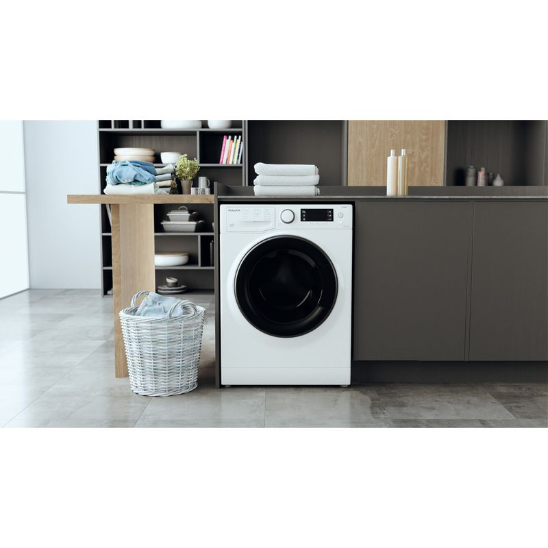 Hotpoint-Washer-dryer-Free-standing-RD-1176-JD-UK-N-White-Front-loader-Lifestyle-frontal
