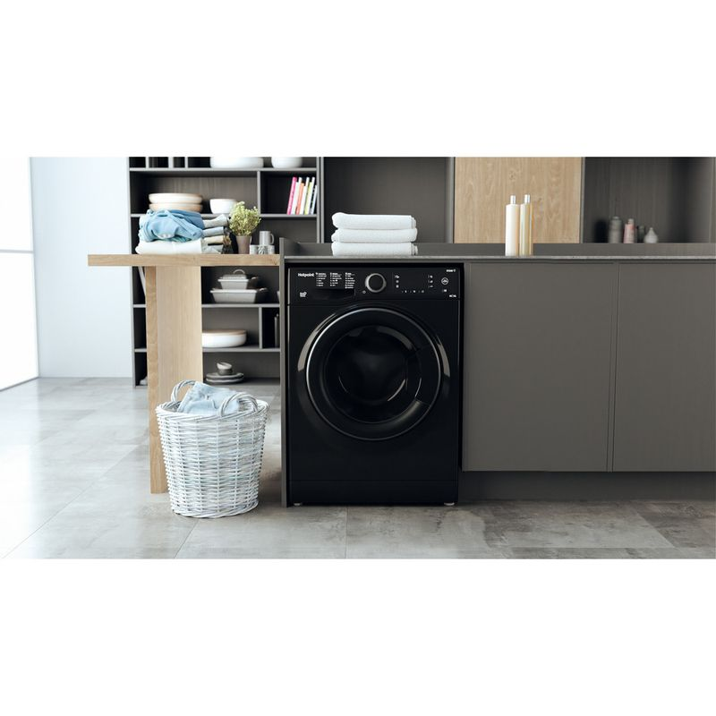 Hotpoint-Washer-dryer-Free-standing-RD-966-JKD-UK-N-Black-Front-loader-Lifestyle-frontal