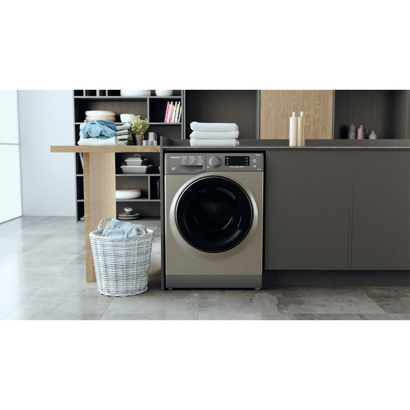 Hotpoint-Washer-dryer-Free-standing-RD-966-JGD-UK-N-Graphite-Front-loader-Lifestyle-frontal