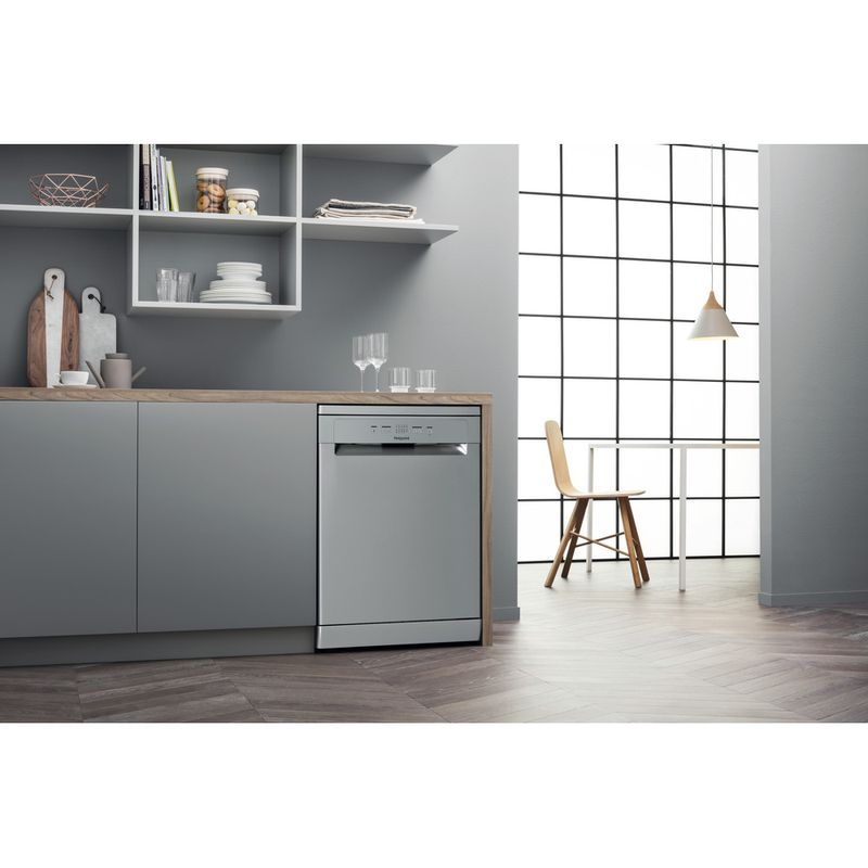Hotpoint-Dishwasher-Free-standing-HFC-2B19-X-UK-N-Free-standing-F-Lifestyle-perspective