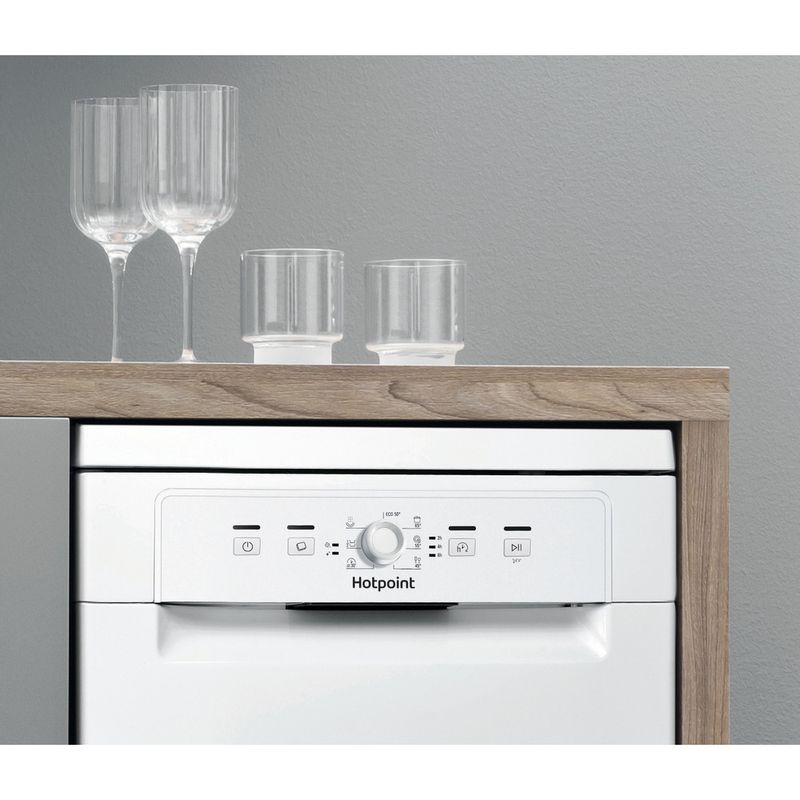 Hotpoint-Dishwasher-Free-standing-HSFE-1B19-UK-N-Free-standing-F-Lifestyle-control-panel