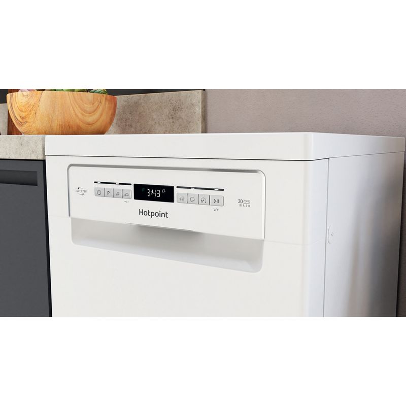 Hotpoint-Dishwasher-Free-standing-HSFO-3T223-W-UK-N-Free-standing-E-Lifestyle-control-panel