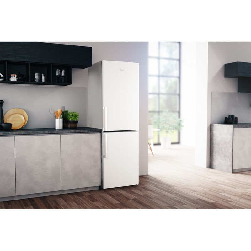 Hotpoint-Fridge-Freezer-Free-standing-H5NT-811I-W-H-1-Global-white-2-doors-Lifestyle-perspective