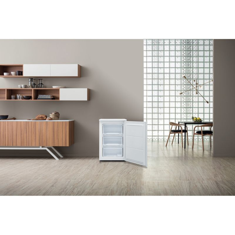 Hotpoint-Freezer-Free-standing-H55ZM-1110-W-1-White-Lifestyle-frontal-open