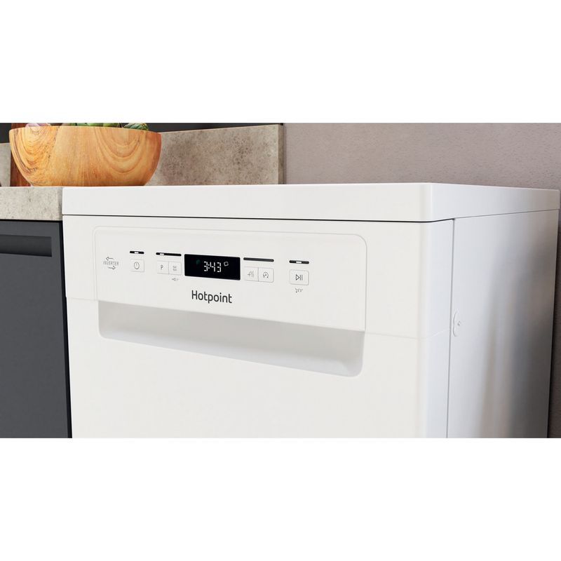 Hotpoint-Dishwasher-Free-standing-HSFCIH-4798-FS-UK-Free-standing-E-Lifestyle-control-panel