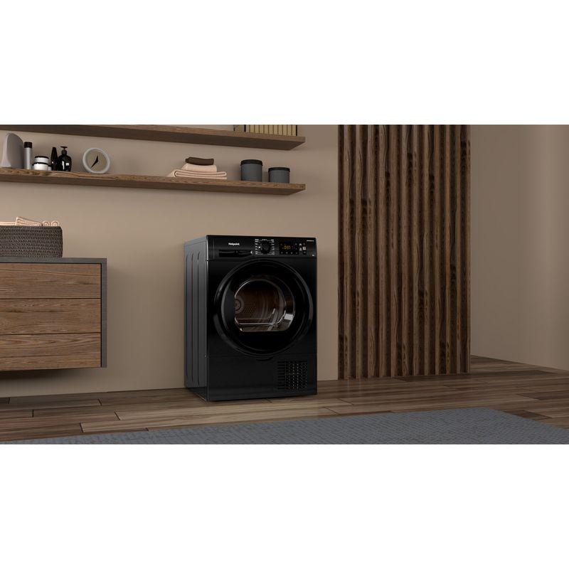 Hotpoint-Dryer-H3-D81B-UK-Black-Lifestyle-perspective