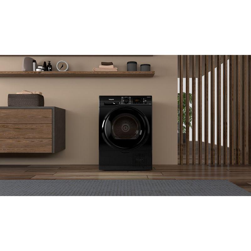 Hotpoint-Dryer-H3-D81B-UK-Black-Lifestyle-frontal