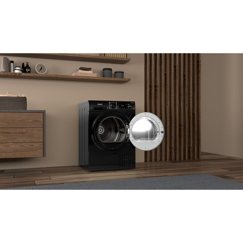 Hotpoint-Dryer-H3-D81B-UK-Black-Lifestyle-perspective-open
