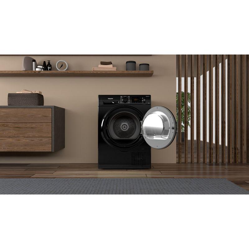 Hotpoint-Dryer-H3-D81B-UK-Black-Lifestyle-frontal-open