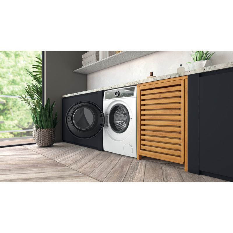 Hotpoint-Washing-machine-Free-standing-H6-W845WB-UK-White-Front-loader-B-Lifestyle-perspective-open