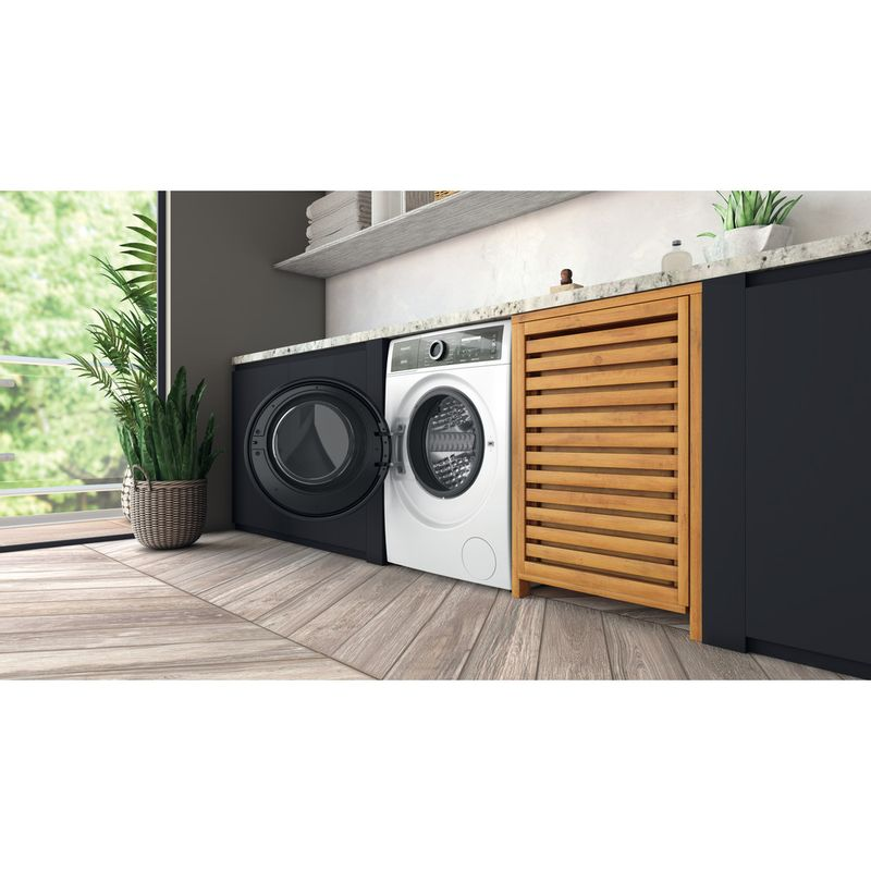 Hotpoint-Washing-machine-Free-standing-H7-W945WB-UK-White-Front-loader-B-Lifestyle-perspective-open