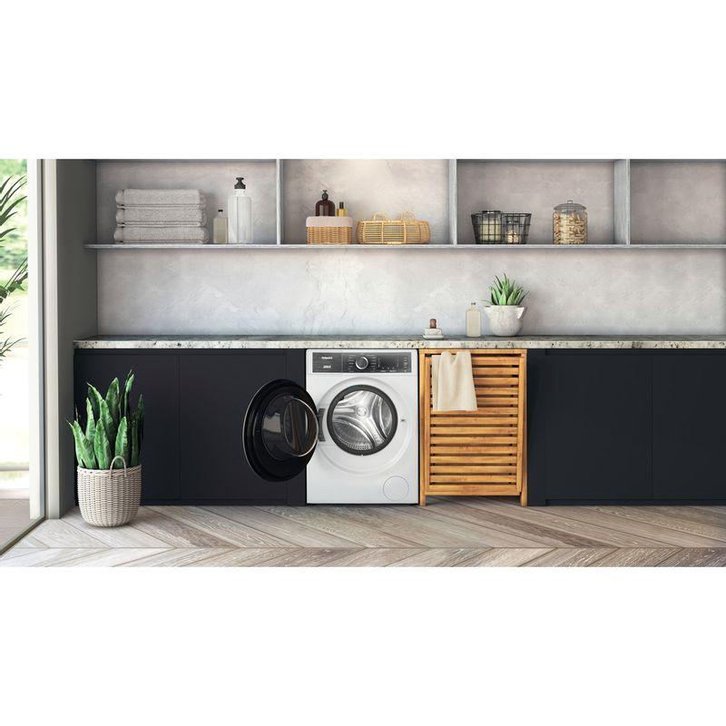 Hotpoint-Washing-machine-Free-standing-H8-W946WB-UK-White-Front-loader-A-Lifestyle-frontal-open