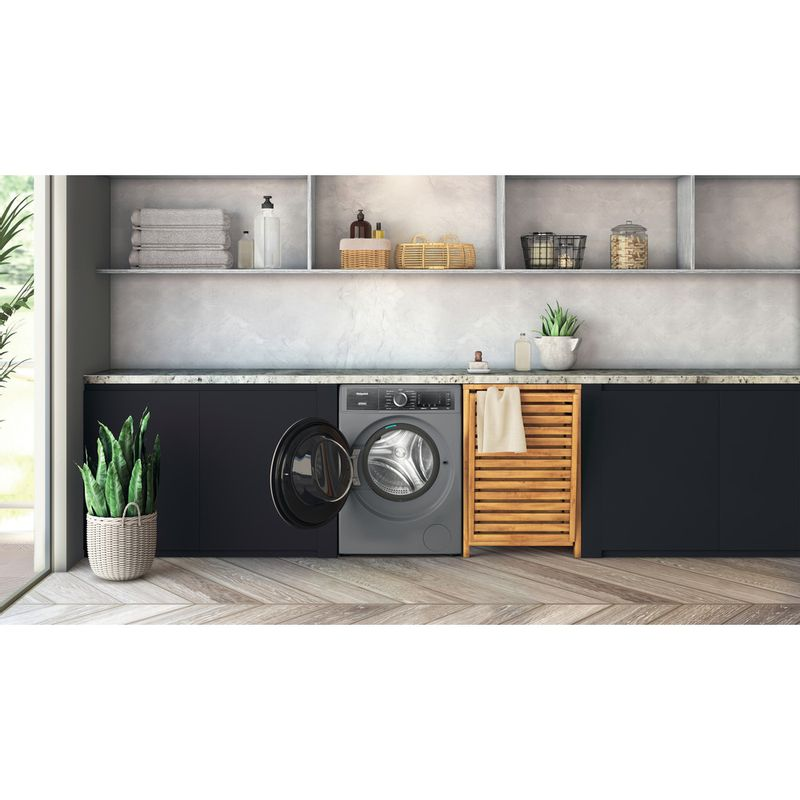 Hotpoint-Washing-machine-Free-standing-H8-W046SB-UK-Silver-Front-loader-A-Lifestyle-frontal-open