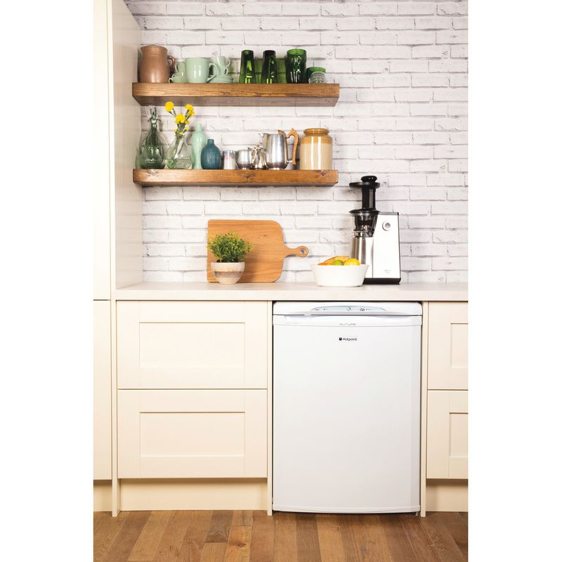 Hotpoint-Freezer-Free-standing-FZA36P-Global-white-Lifestyle_Frontal