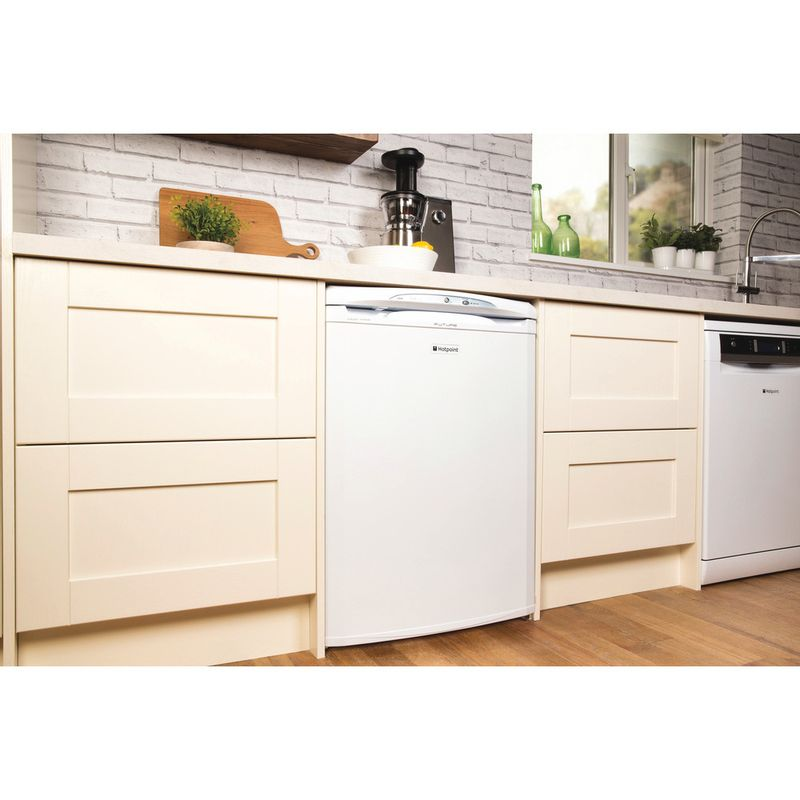 Hotpoint-Freezer-Free-standing-FZA36P-Global-white-Lifestyle_Perspective