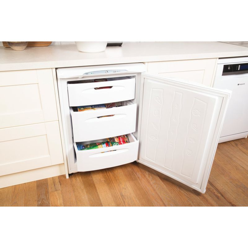 Hotpoint-Freezer-Free-standing-FZA36P-Global-white-Lifestyle_Perspective_Open