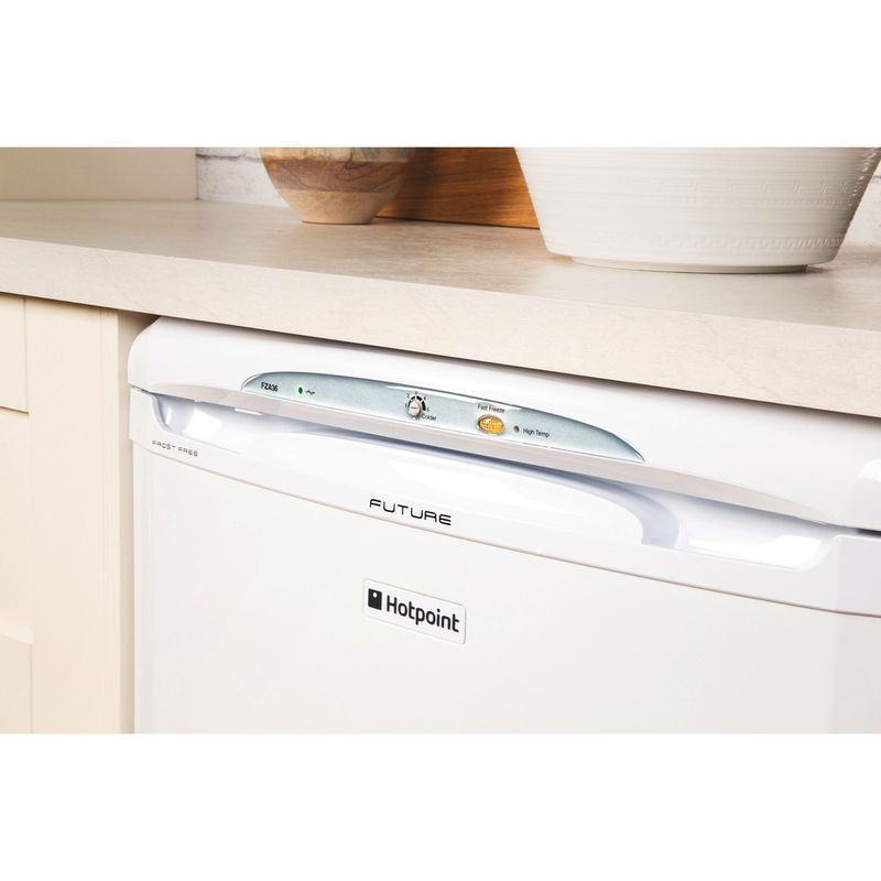 Hotpoint-Freezer-Free-standing-FZA36P-Global-white-Lifestyle_Control_Panel