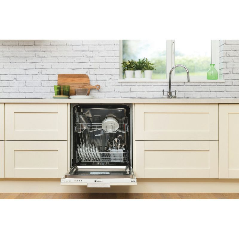 Hotpoint-Dishwasher-Built-in-LTB-4B019-UK-Full-integrated-F-Lifestyle_Frontal_Open