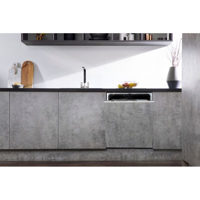 Hotpoint-Dishwasher-Built-in-LTF-8B019-UK-Full-integrated-A-Lifestyle-frontal