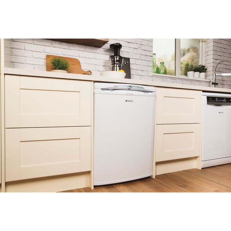 Hotpoint-Freezer-Free-standing-RZA36P.1-Global-white-Lifestyle-perspective
