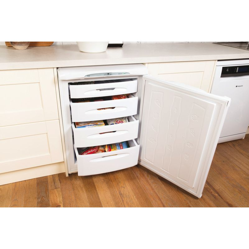 Hotpoint-Freezer-Free-standing-RZA36P.1-Global-white-Lifestyle-perspective-open
