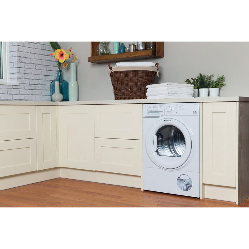 Hotpoint-Dryer-TCFS-73B-GP--UK--White-Lifestyle-perspective