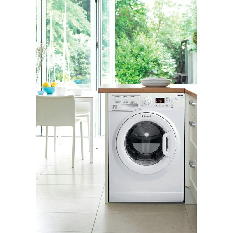 Hotpoint-Washing-machine-Free-standing-WMFUG-942P-UK-White-Front-loader-A---Lifestyle_Frontal