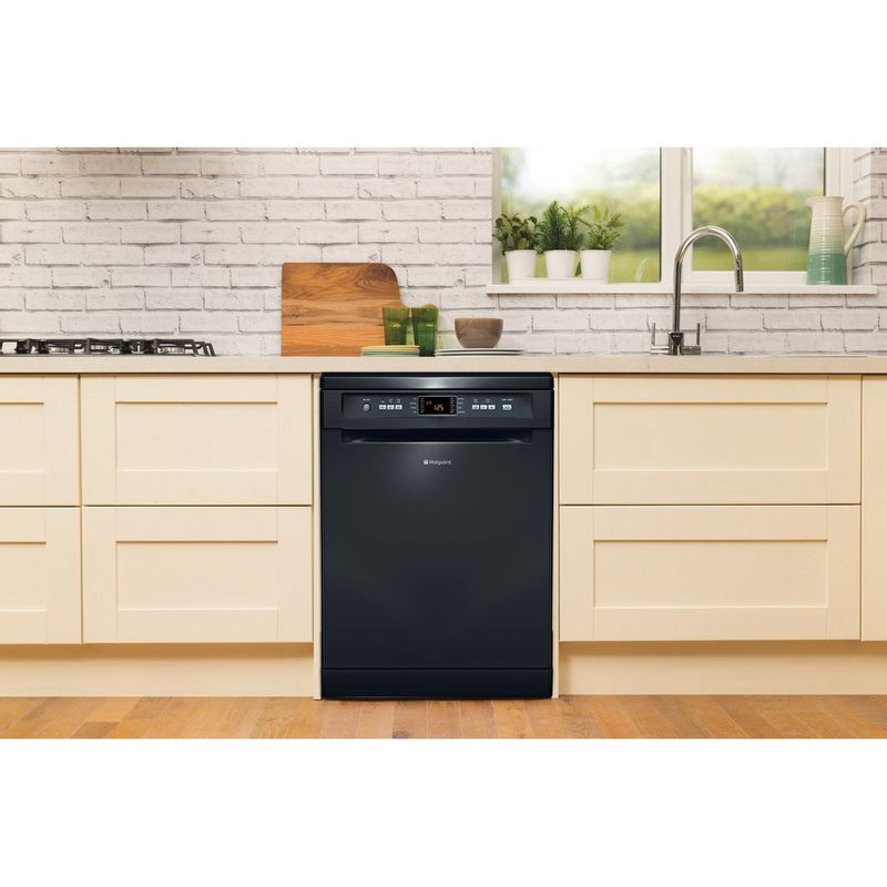 Hotpoint-Dishwasher-Free-standing-FDFEX-11011-K-Free-standing-A-Lifestyle_Frontal