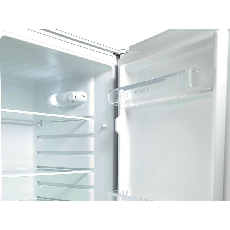 Hotpoint-Fridge-Freezer-Free-standing-FSFL58W-White-2-doors-Lifestyle_Detail