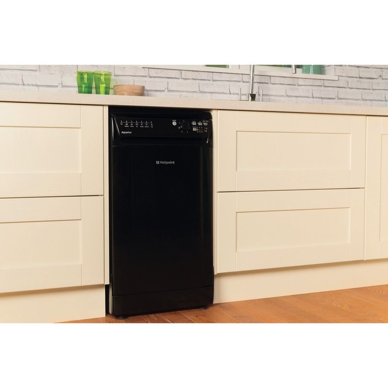 Hotpoint-Dishwasher-Free-standing-SIAL-11010-K-Free-standing-A-Lifestyle-perspective