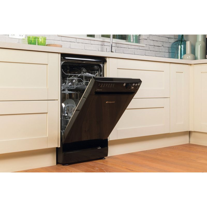 Hotpoint-Dishwasher-Free-standing-SIAL-11010-K-Free-standing-A-Lifestyle-perspective-open