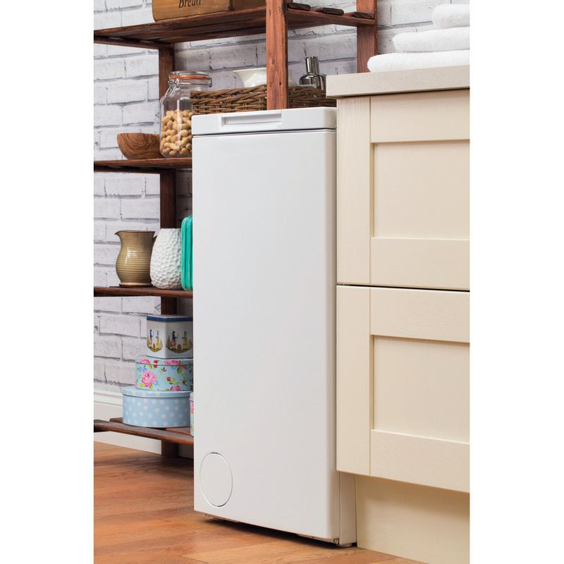 Hotpoint-Washing-machine-Free-standing-WMTF-722-H-UK-White-Top-loader-A---Lifestyle_Perspective