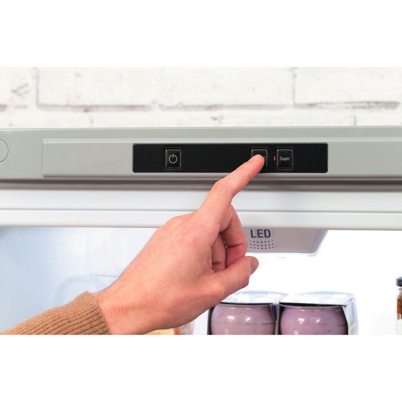 Hotpoint-Fridge-Freezer-Free-standing-LAG85-N1I-GH-Graphite-2-doors-Lifestyle-people