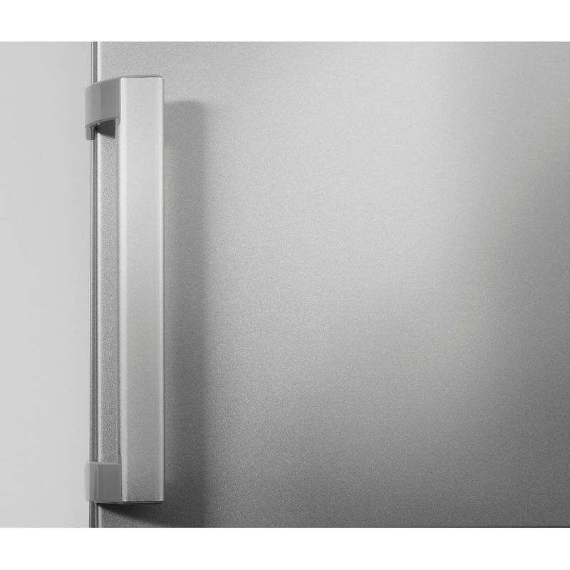 Hotpoint-Fridge-Freezer-Free-standing-LAG85-N1I-GH-Graphite-2-doors-Lifestyle-detail