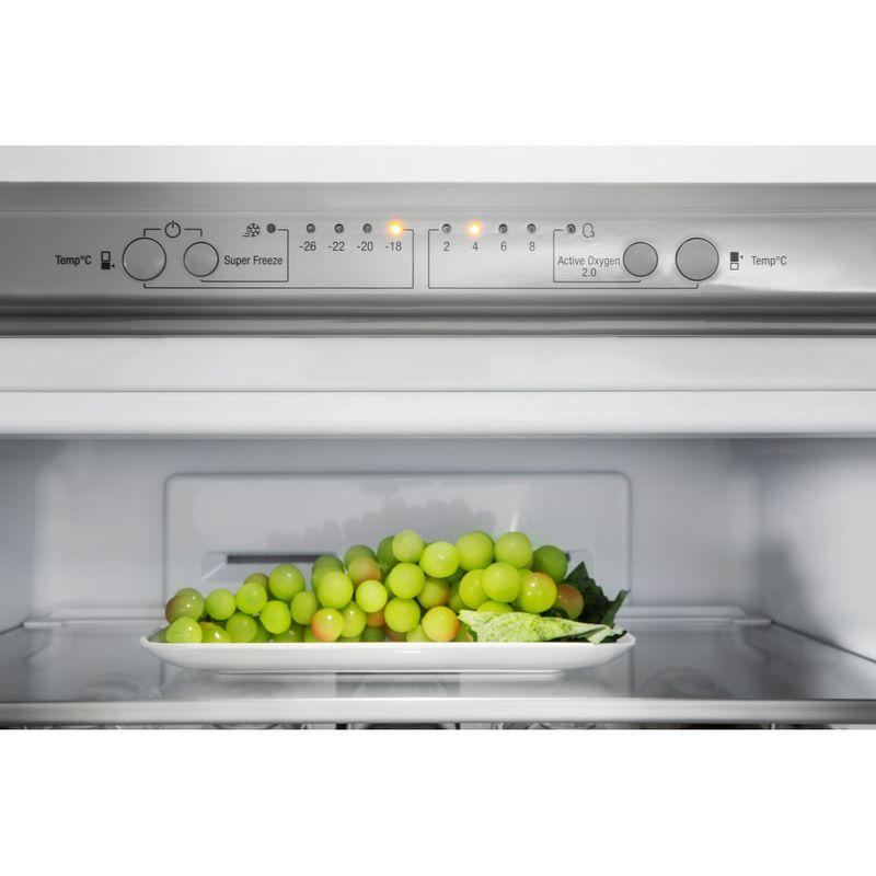 Hotpoint-Fridge-Freezer-Free-standing-XAO95-T2U-GOH-Graphite-2-doors-Lifestyle-detail